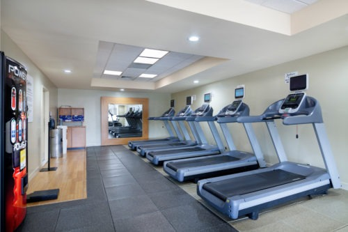 Fitness Center at Radisson Hotel JFK Airport