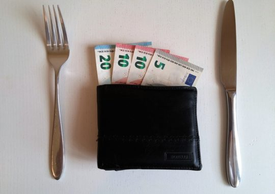 The Do's and Don'ts of Tipping in Europe