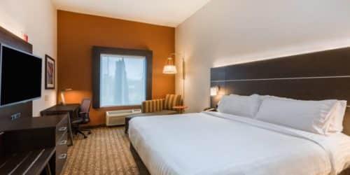 Holiday Inn Express & Suites Bremen room