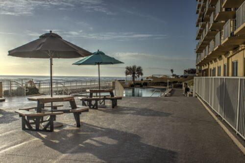 Best Western Castillo Del Sol in Ormond Beach pool area