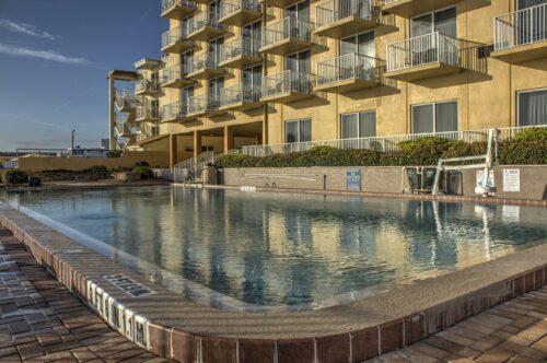 Best Western Castillo Del Sol in Ormond Beach pool view